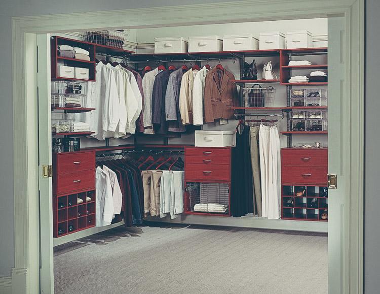 10 consejos para guardar la ropa en perfecto estado for Bolsas para guardar ropa